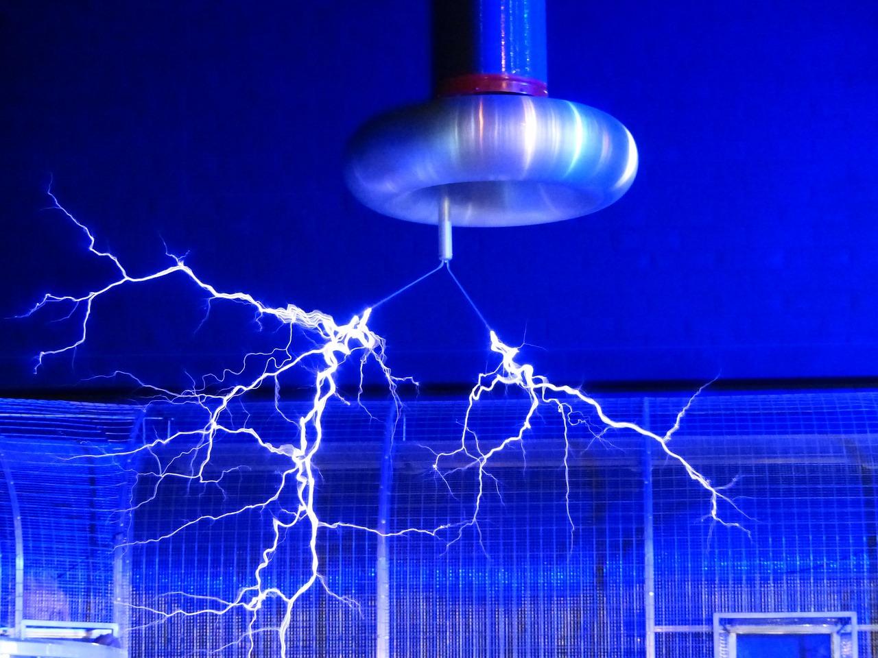 rachunki za prąd - jak je zmniejszyć